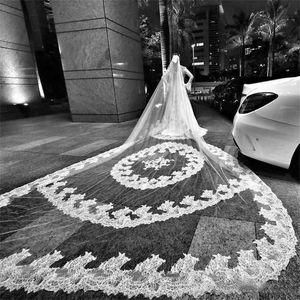 Lujo 4M 5M 6M Velos de novia 2019 Largo de la catedral Blanco marfil Velos de novia con peine Encaje Aplique velo de novia