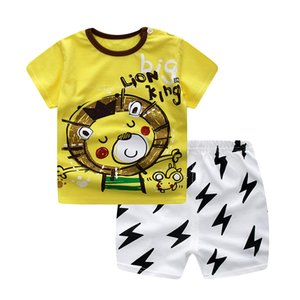 مناقصة الأطفال 2020 طفل أزياء الأسد الطباعة الأصفر T-shirt أعلى + السراويل البيضاء السوداء دعوى القطن الصيف ملابس الاطفال