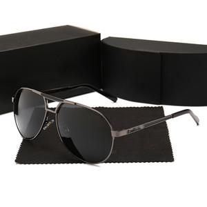Gafas de sol de lujo de los hombres del diseñador del marco Gafas de sol Oro del marco cuadrado del metal del estilo retro al aire libre del diseño clásico