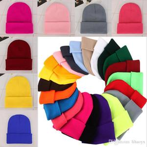 الصلبة اللون محبوك القبعات 23 الألوان الاكريليك كاندي الألوان الشتاء كاب في الهواء الطلق قبعة قبعات Da111