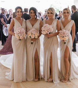 2019 V Neck Chiffon Sereia Longo Barato Bridesmaids Vestidos Ruched Dividir Verão Praia Convidado Do Casamento Plus Size Vestidos Maid of Honor BC0219