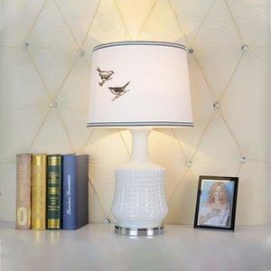 Basit el eskizi kuş masa lambası yatak odası çalışma otel odasında masa lambası Amerikalı country cam masa lambası LR013