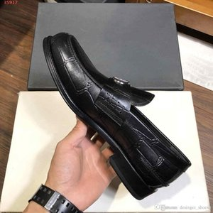 The latest designs from well-known designers Classic embossing process fashion high-end quality men's shoes With Dust Bag