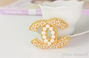 marcas de moda estão luxuosamente projeto da flor Broches na moda homens jóias Rhinestone broche Charme Mulheres Crystal Banquete Decoração Jewel