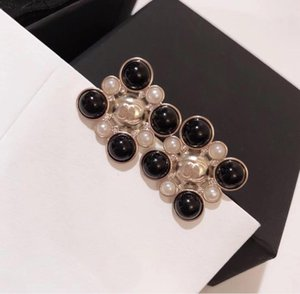 Black and white pearl girl's new fashion earrings