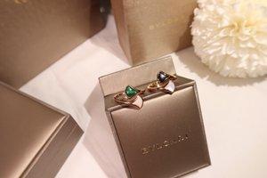 La moda de joyería de acero inoxidable Negro Oro Hombres a los anillos de diamante 032301