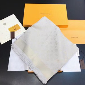140x140 superior de la marca de moda de los hombres de seda cuadrado de la bufanda de la bufanda Marcas Diseño Hombre nuevo estilo Carta Flor de impresión originales frescos bufandas