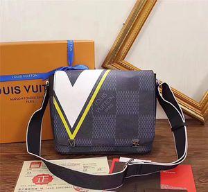 Designer Italian Mens Shoulder Bags Man Genuine Leather Briefcases Men Handbag Bolsas Messenger Bag Men Wedding Dress Crossbody Bag