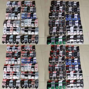 Fashion Men Women Cotton Mid-length 5 Color Socks Breathable Sweat Absorbent Deodorant Sports Socks with Label