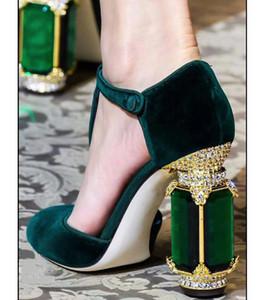 di Retro stile del palazzo Nero Verde Viola Borgogna Velvet Donne Pumps Bling Block Tacchi alti T-strap Pompe Scarpe Mary Jane partito