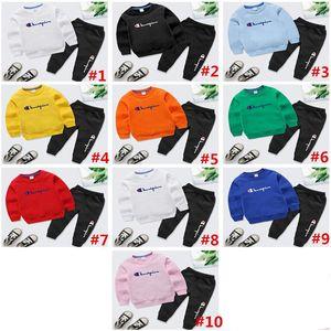 Champion infantil Carta Roupa Set manga comprida O-pescoço camisola Hoodies + calças calças Two Piece Outfits Outono Crianças Esportes Suit 140cm