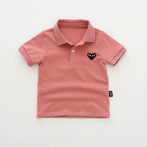 Diseño de los muchachos Niños Polos Niño de moda de verano corazón bordado Tops niños de la solapa de la manga corta Polos camisetas de marca quanlity superior