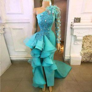 New Peacock Blue Schulter-Abend-Kleider 2020 handgemachte Blumen Appliques Schößchen-formale Partei-Kleider mit Split Abendkleid