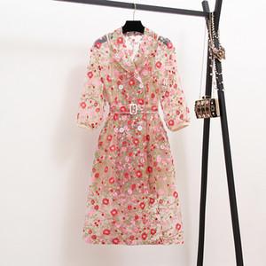 2019 Herbst-Weinlese-Blumen-Stickerei-Überlagerungs-Trenchcoat-Frauen-zweireihige gekerbte Laternen-Hülsen-Gurt-Ineinander greifen-lange Mantel-Oberbekleidung