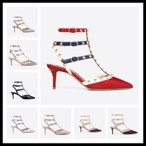 Venta caliente-Diseñador punta estrecha Studs Studs remaches de cuero sandalias para mujer con tachuelas zapatos de vestir de tiras de san valentín 10 CM 6 CM zapatos de tacón alto c143