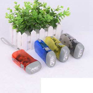 Outdoor 3 LED a mano Press Torcia No Batteria Wind Up dinamo della torcia elettrica della luce della torcia di campeggio portatile Flash Light ZZA558-1