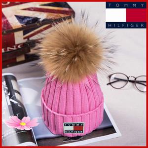 2019Thrasher Kış Örgü Gerçek Kürk Şapka Kadınlar Kalınlaşmak kasketleri 15cm Real Rakun Kürk Pompoms Sıcak Kız Caps ponpon bere Şapka snapback ile