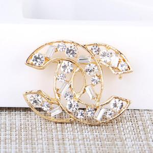 Atacado Marca Designer Broches Gold Silver luxo broche de diamante corpete clássico charme Broches de casamento com caixa