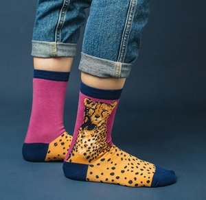 ربيع الخريف الكرتون جديد الركبة المرتفعات الجوارب الأوروبية والأمريكية الشارع الأزياء الجوارب الإبداعية الجوارب القطنية المرأة