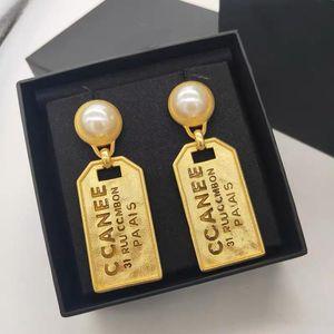letras pendientes diseñador CC estilo vintage de alta calidad de joyería de moda 2020 nueva perla pendientes de oro para las mujeres
