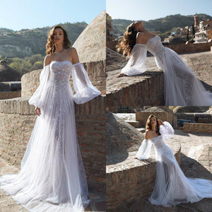 2020 Bohemian Wedding Dresses Strapless Long Sleeve Lace Appliques Bridal Gowns Custom Made Backless Sweep Train A-Line Wedding Dress