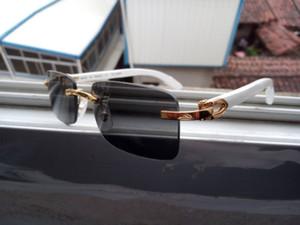 bianco bicchieri corno di bufalo mens occhiali da sole di legno retrò d'epoca per le donne Red lenti chiare occhiali da sole moda atteggiamento senza montatura nera