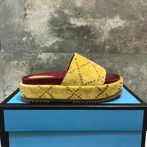 2020 femmes Designer Sandales récent été Wedge talon haut pour dames plate-forme Diapo Slipper Marque velours Flip Flop luxe Chaussures de plage