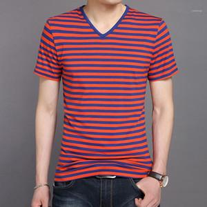 Tshirts Лето V образным вырезом с коротким рукавом Тонкий Мужские Tops Casual Красочные мужчина тройники чередующийся Дизайнер Mens