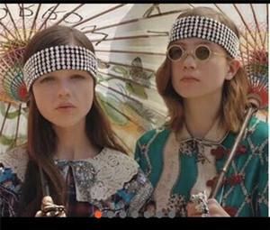 Las mujeres marca de diseño de rayas bandas del pelo del Rhinestone lleno Cinta elástica Cinta de cabeza Diseñador Bandana vendas Regalos para mujeres