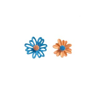 S925 silver needle summer Daisy asymmetrical fashion stud temperament fresh flower earrings color clash hollow-out earrings