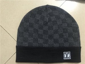 2020 les plus vendus chapeau tricot hommes luxe unisexe bonnet tricot pompon chapeau dames chapeau de crâne de sport classique BBHH beanie décontracté en plein air