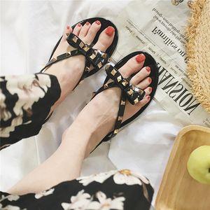 Moda Lüks Tasarımcı Kadın Ayakkabı Tasarımcısı Sandalet PerçinPlatform Slaytlar Sandal Kız Ayakkabı Bayan Çevirme Çivili Yüksek Kalite Kopya Sıcak