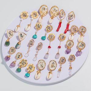 Kadınlar Düzensiz Doğal Taş Inci Küpe Reiki Gem Taş Dangle Kanca Bırak Küpe Vintage Renkli Kadın Kabuk Reçine Mercan Takı