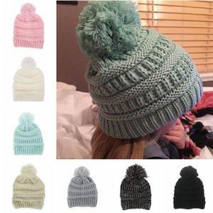 Cute Baby Knitted Hat Moda Niños Cálidos Sombreros de invierno Soft Fur Pom Ball Caps Candy Color Crochet Beanie Cap TTA1599