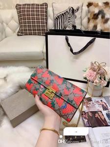 Vogue du nouveau fonds 2020 Imprimé chaîne Incliné Sac à main en cuir véritable épaule Sacs de verrouillage simple changement COINS Emballage Sac à main de luxe