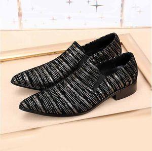 2019 New Style Brand Inghilterra Style Men Business scarpe a punta Dress Shoes Luxury tacchi alti Uomini bridegroom scarpe da sposa partito