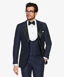 Smoking da sposo blu scuro di moda Risvolto a punta nero Groomsman Matrimonio Abito da 3 pezzi Giacca da uomo d'affari popolare Giacca (giacca + pantaloni + cravatta + gilet) 658