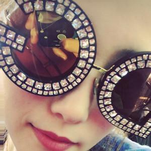 الجملة الفريدة الفاخرة الماس حلوى لون العدسات النظارات الشمسية المرأة العلامة التجارية مصمم أزياء الاتجاه الساق المعدنية ظلال السيدات oculos