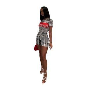 Vestidos de impresión de periódicos populares populares para mujer O cuello club vestidos sexy manga corta ropa de moda de verano