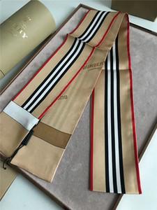 Neueste marke seidenschals exquisite gedruckt seidenschals männer frauen haar gürtel mode handtaschen mit schmetterling schal verziert
