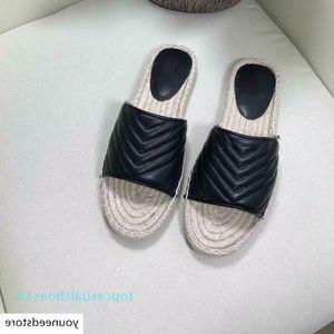 Women Designer Leather Espadrille Sandal Luxury Slipper Flat Platform Shoes With The Double Metal Beach Weave Shoes 4 Color Size 4-10 T18
