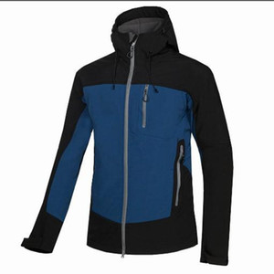 Su geçirmez Nefes Softshell Ceket Dış Mekan Spor Coats Kayak Yürüyüş Windproof Kış Outwear yüz Yumuşak Kabuk Jacke Yüksek kaliteli boyutu