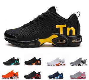 2019 Mercurial Artı TN Adam Tasarımcısı Açık Koşu Ayakkabıları Chaussures KPU Homme Erkekler Zapatillas Siyah Beyaz Mujer Eğitmenler Sneakers Boyutu 36-47