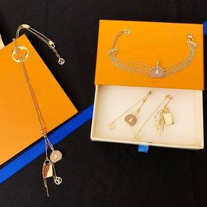 Europa America Insiemi dei monili della signora Women ottoni V Iniziali mini miniatura Imposta Boite Chapeau collana di fascino del braccialetto orecchini