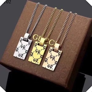 Regalo unisex CC Lettera Designer Luxury Gold Rose Gold pendenti tre colori Silver Jewelry Collane in acciaio inossidabile con la scatola 015