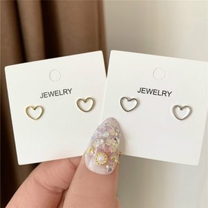 Japan Korea Temperament Simple Minimalist Hollow Out Heart Lovely Small Stud Earrings for Women Fashion Jewelry Accessories