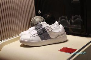 Nouveau mode Plate-forme de luxe à fond plat peau de vache non-Slip ronde à lacets tête printemps Utumn Imprimer Couple Vintage Designer Shoes C25