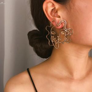 2020 Kızlar Hediye Küpe İçin Kadınlar Vintage Metal Alaşım Moda Özet Hollow Out saplama Küpe Yüz Küpe Takı