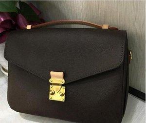 2020 Free shipping Classic high-end customized luxury women's handbag fashion messenger bag one shoulder handbag