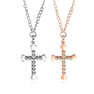 Européens et américains classique Croix en acier inoxydable Couple Collier personnalisé Zircon hommes et femmes Bijoux nacklace d'amour Collier